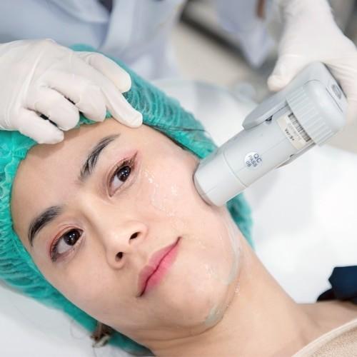 คุณปุ่น poonxpoon HIFU Sowon Clinic